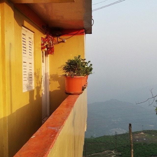homes in Kurseong, India on the Rickshaw Run