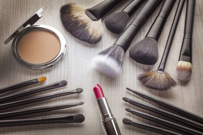 Different Kinds of Make-up brushes