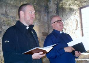 Fr Stuart Parkes and Rev Dr John McPake lead worship