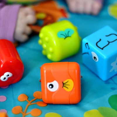 Hot For The Holidays: Little Tikes DiscoverSounds Shape Sort and Scatter – Giveaway