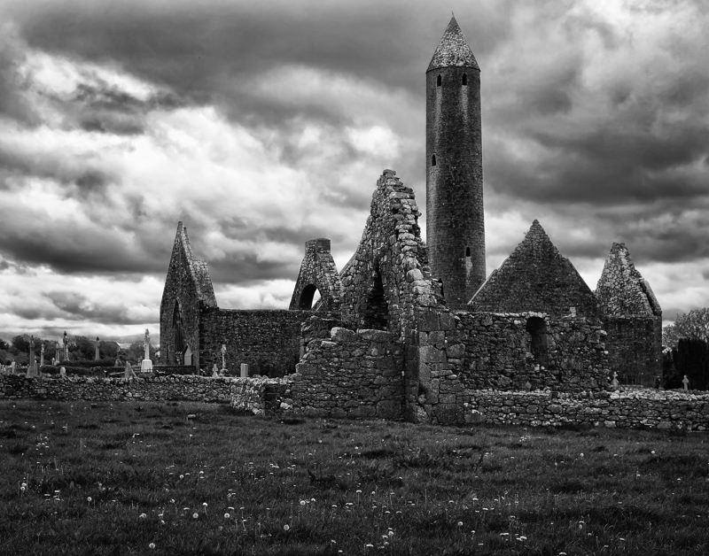 Travel planning - Kilmacduagh Abbey ruins