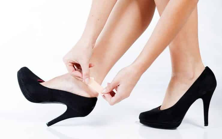 How To Wear Shoes Without Socks 27 Sockless Tips For Women