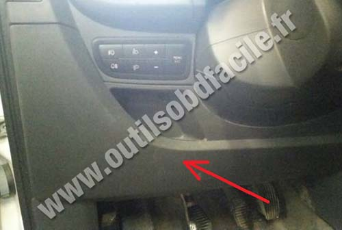 OBD2 connector location in Fiat Fiorino (2007 - ) - Outils OBD Facile