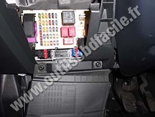 OBD2 connector location in Fiat Stilo (2001 - 2007) - Outils OBD Facile