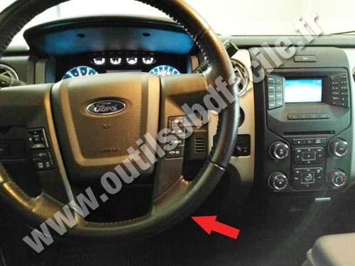 OBD2 connector location in Ford F150 (2008 - 2014) - Outils OBD Facile