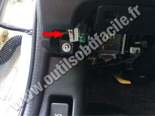 OBD2 connector location in Honda Accord (2008 - ) - Outils OBD Facile