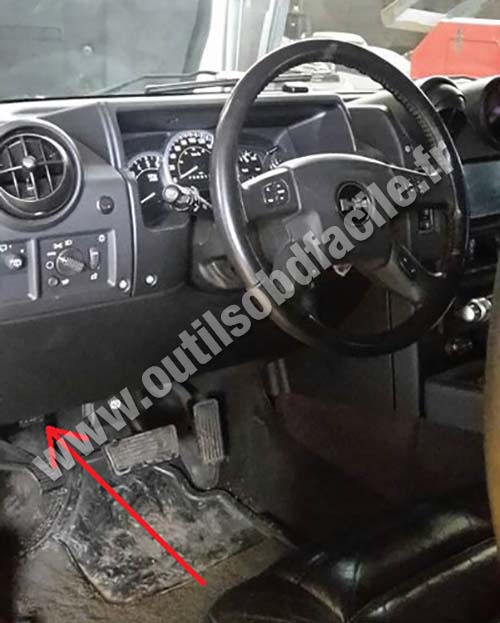 OBD2 connector location in Hummer H2 (2003 - 2009) - Outils OBD Facile