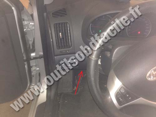 OBD2 connector location in Hyundai I30 (2007 - 2012) - Outils OBD Facile
