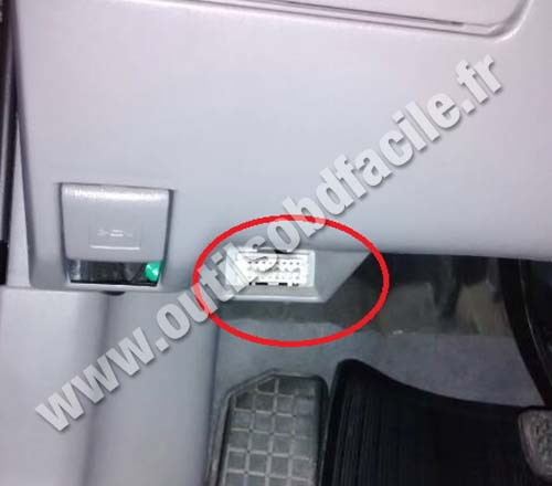 OBD2 connector location in Toyota Corolla E150 (2006 - 2013