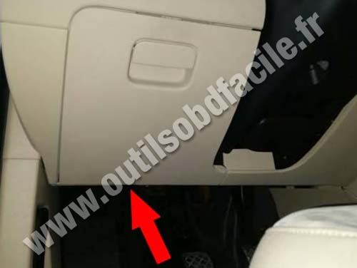 OBD2 connector location in Volkswagen Passat B7 (2010 - 2015