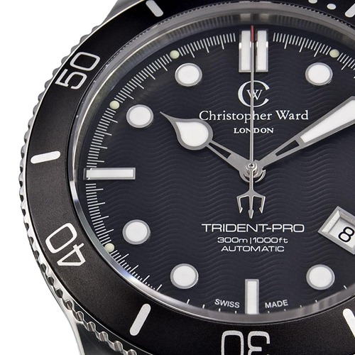 blacktrident 1 4 thumb Christopher Ward C60 Trident Bond Review