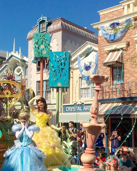 belle-in-the-parade
