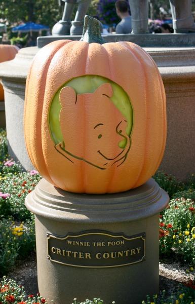 halloween-time-at-the-disneyland-resort-pooh-pumpkin