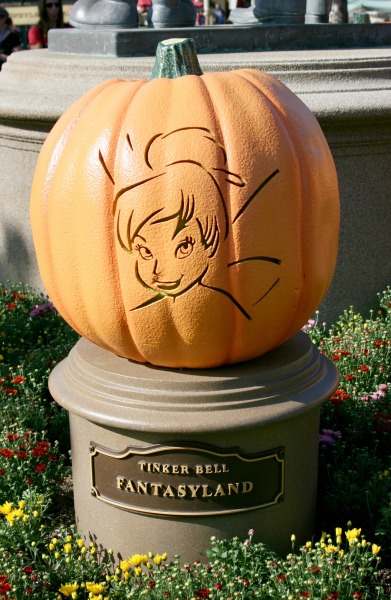 halloween-time-at-the-disneyland-resort-tink-pumpkin