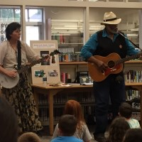 Sparky and Rhonda Rucker perform at the Karns Lib.