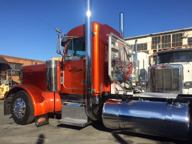 1998 Peterbilt 379 Exhd Single Axle Show Truck Truck