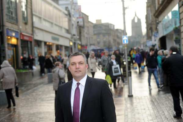 Cllr Macmillan on Paisley High St