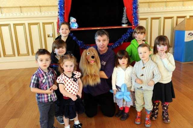 Renfrew Xmas Lights puppet show
