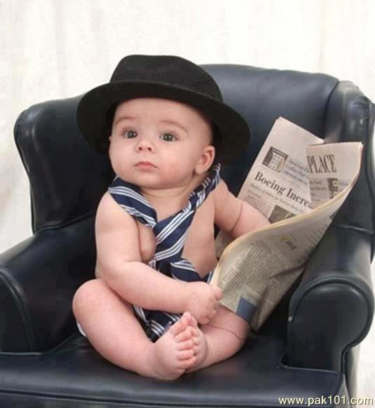 Cute Boy And Girl Friendship Wallpapers Funny Picture Baby Reading Newspaper Pak101 Com