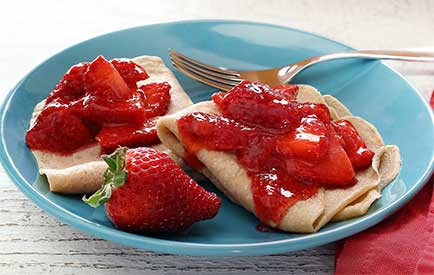 Simple Paleo Strawberry Crêpes Recipe