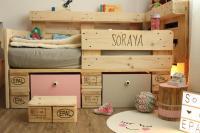 Kinderbett aus Europaletten   Palettenbett fr Kinder ...