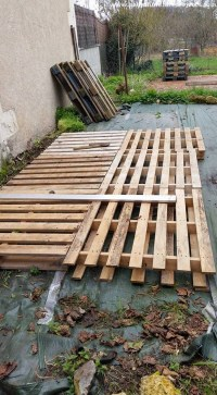 DIY Patio Pallet Deck with Furniture | Pallet Furniture ...