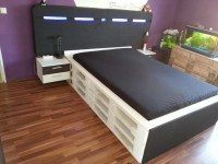 Bed Made Out of Wooden Pallets   Pallet Furniture Projects.
