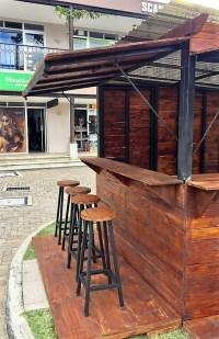 Reclaimed Wood Pallets Patio Bar Plan | Pallet Ideas