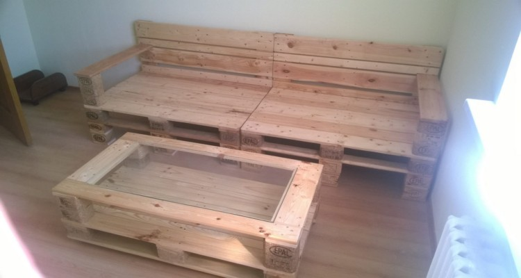 Pallets Made Coffee Table And Sofa Pallet Ideas