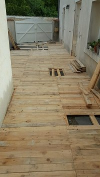 DIY Patio Pallet Floor | Pallet Ideas: Recycled / Upcycled ...
