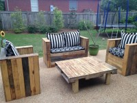 DIY Pallet Outdoor Sofa Plans | Pallet Wood Projects