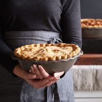 Deep Dish Pie Plate - Shop | Pampered Chef US Site