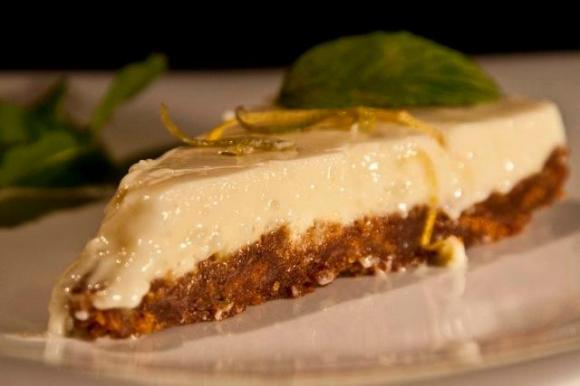 recipes Lemon Cheesecake with ginger biscuits