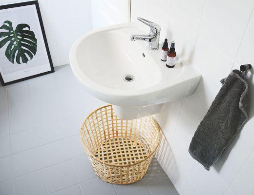 metamorfoza łazienki malowanie płytek kafli farba v33