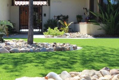 artificial-grass-frontyard