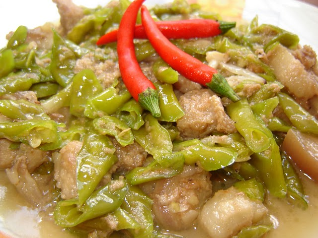 how to cook pork bicol express