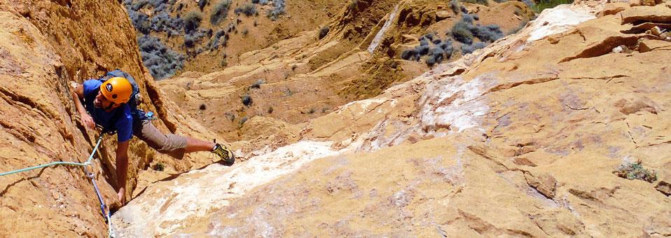 Escalada clásica en la Sierra Helada (Benidorm)