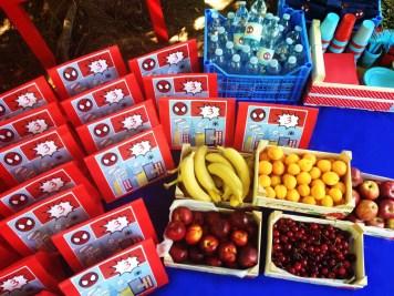 organizzazione di paola maresca per festa compleanno spiderman - picnic nel parco con lunch box personalizzate e torta