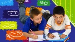 ¿Tienen que hacer los niños deberes en verano?