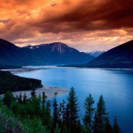 Papel de parede 'Lago e Montanhas'