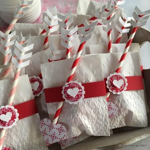 Stampin'Up! Swaps, Demotreffen, Saartistic2017, Geschenke zum Valentinstag selbermachen, kleine Goodies, Amors Pfeil, Stampin'Up! Designerpapier im Block Liebe Grüße, Stampin'Up! Prägeform Blütenregen