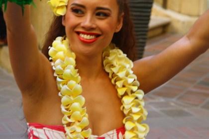 Jak zrobić hawajskie wieńce?
