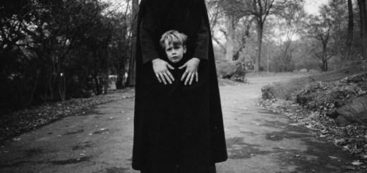 arthur-tress-cauchemar-enfant-noir-blanc-01-767x800