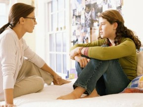 pd mom talking teen 080303 ms Study Shows that Parental Sex Talk Occurs Too Late Photo