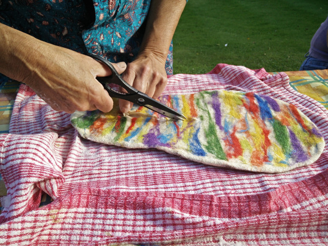 Hand felted slippers: Cutting a slit in the slipper
