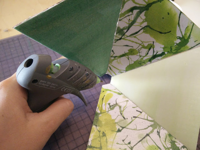 Glueing the lampshade