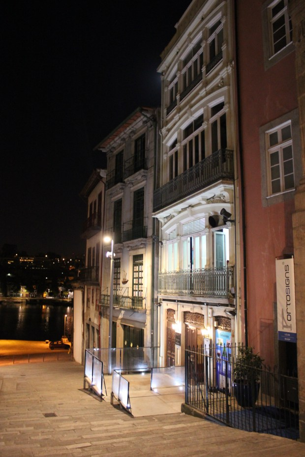 porto by night place