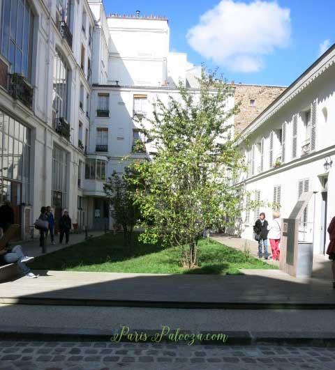 Villa des Arts courtyard