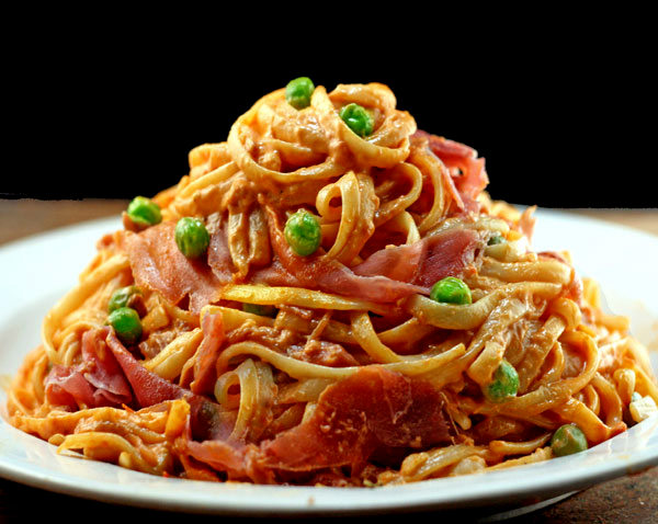Tomato Alfredo Linguine with or without peas and prosciutto