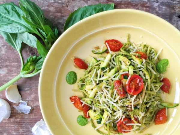 Spaghetti with Kale Pesto, Zucchini, and Roasted Tomatoes - Parsnips ...